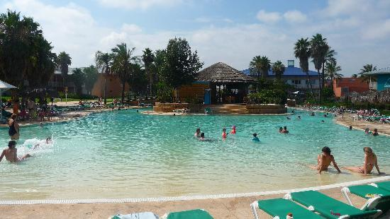 PortAventura Hotel Caribe: THE OTHER POOL