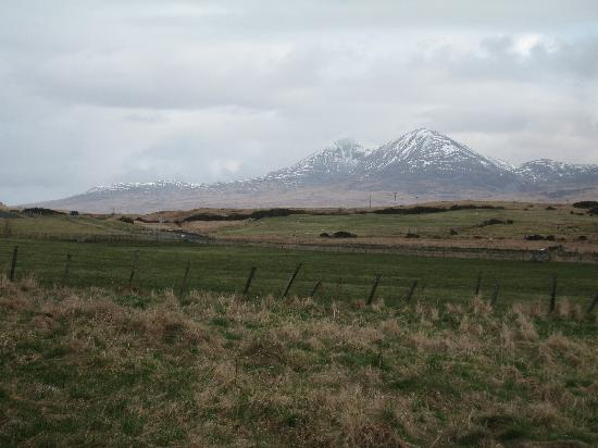 Ballygrant Inn & Restaurant : View to the Paps of Jura from the Ballygrant Inn