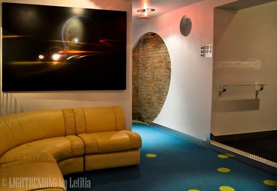 Retro Suites Hotel: Cool retro decor