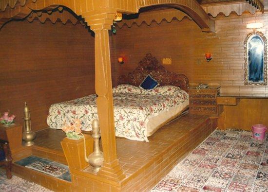 Photo of Kashmir Khalsa Hotel Srinagar
