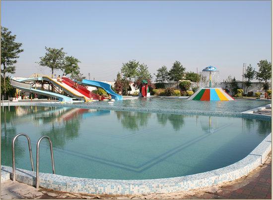 Kanak Garden Resort & Water-Park : Kanak Garden Resort And Water Fall