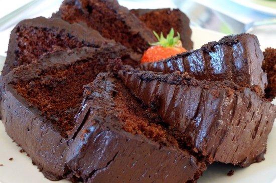 Moonwaters Restaurant: Chocolate cake (YUM)