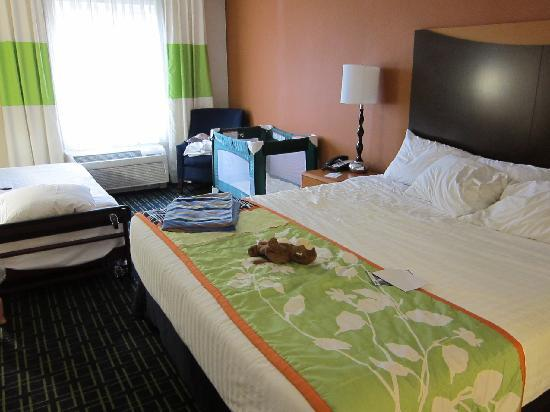 Fairfield Inn & Suites Wytheville: Bedroom
