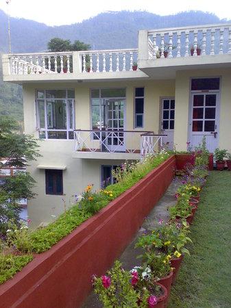 Monal Tourist Home