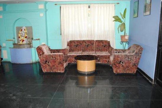 Hotel Kanishka International