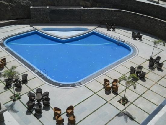 Ramada Udaipur Resort and Spa: Lotus Lake View Resort