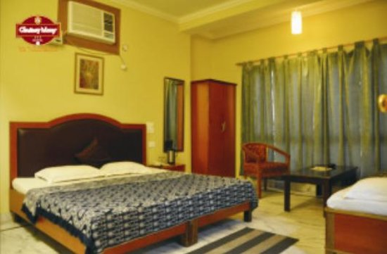 OYO 3725 near Kaulagarh Road: Hotel Chutney Merry