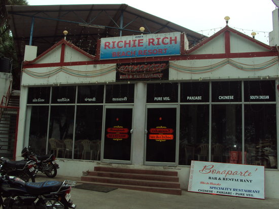 Richie Rich Resort