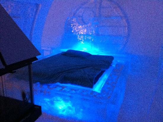 Hotel de Glace: one of the suite