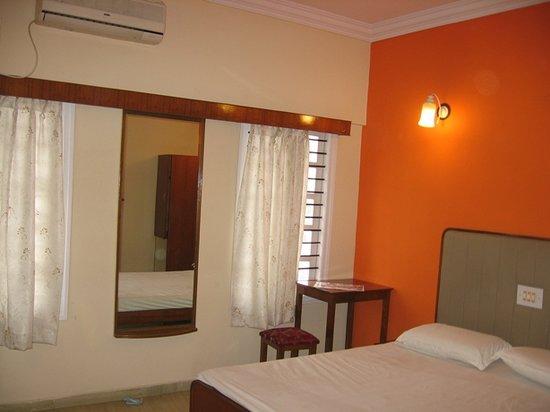 SRI LAKSHMI COMFORTS (Bengaluru) - Hotel Reviews & Photos