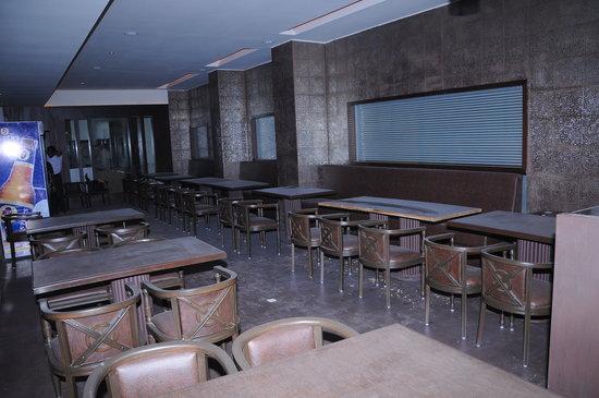 Nellore Days Inn D.R. Utthama
