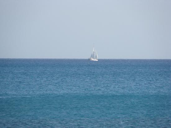 Alonia Apartments : view from beach