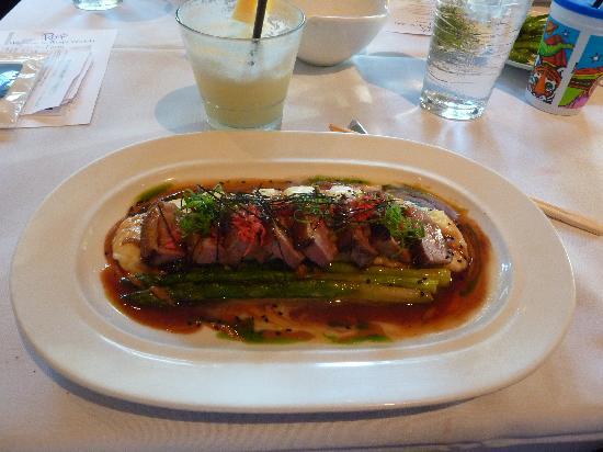 Roy's Waikiki Beach: メインの肉料理(アヒル)