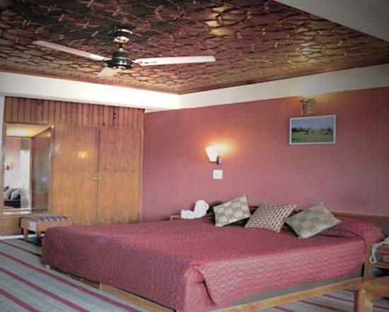 Photo of Ahdoos Hotel Srinagar