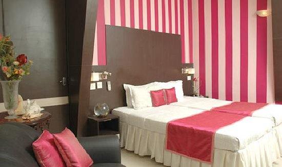 i145 Hotel