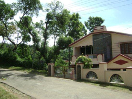 Aakanshe Homestay