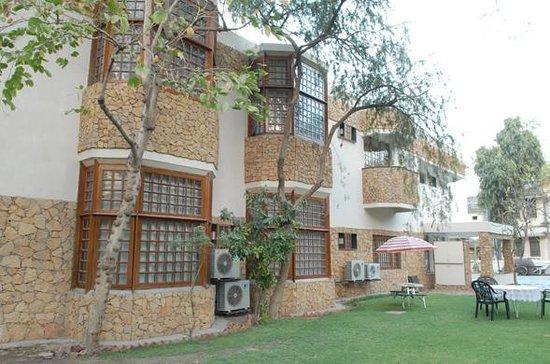Mani Mansion: Corporate Suites