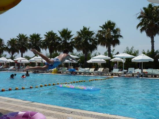 Kervansaray Hotel Kundu: Pool area 1