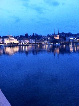 Hotel De la Paix: Lucerne by night