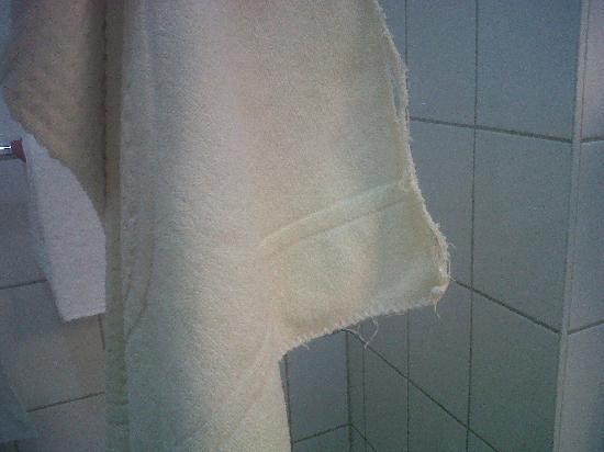 Phoenix by Centro Basic: könnte mal wieder ersetzt werden: die handtücher