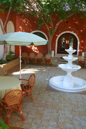 Marbella Resort: مطعم داخل الفندق