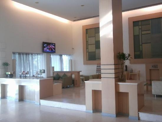 Comfort Inn Marina Towers: Lobby