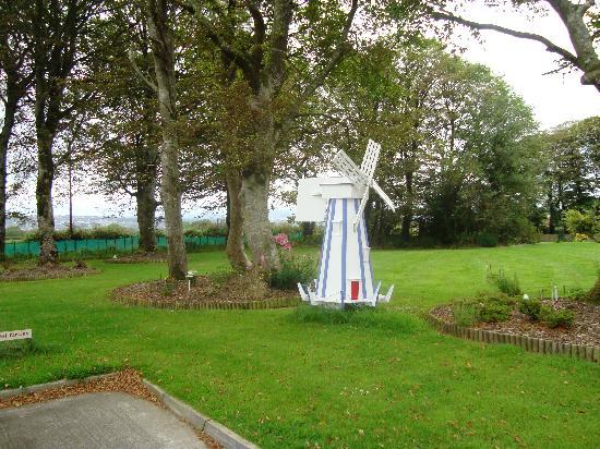 Groarty House & Manor B&B: garden