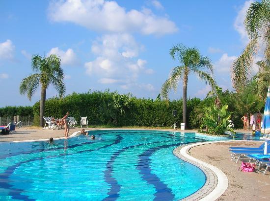 Hotel Resort Tonicello: LA PISCINA