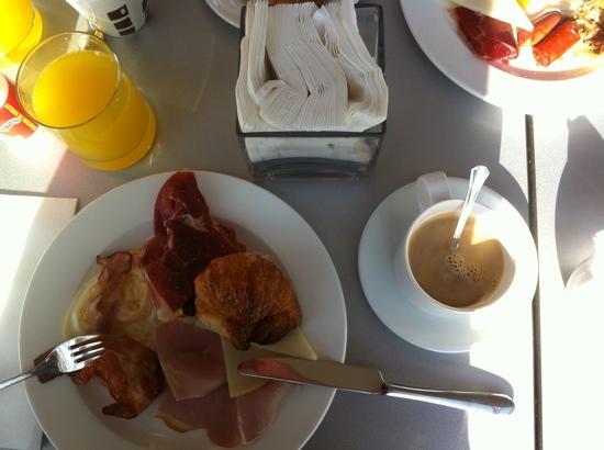 Hotel Neptuno: petit déjeuner.