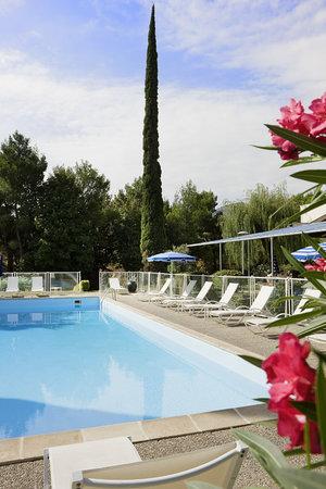 Novotel Marseille Est : piscine accès gratuit