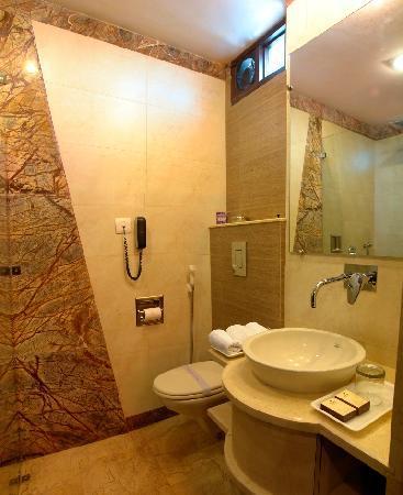 โรงแรมซันสตาร์ ไฮท์: bathroom