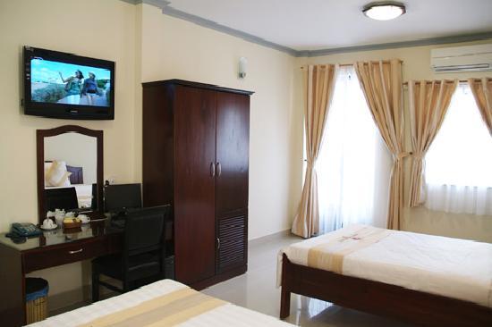 Beautiful Saigon Hotel 2: Deluxe Room