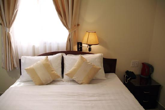 Beautiful Saigon Hotel 2: Standard Room