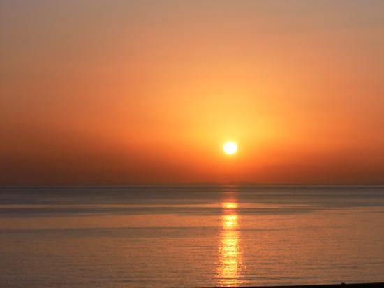 Blue Marine Resort & Spa: Le levé du soleil. Superbe