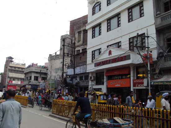 my city amritsar Amritsar is a city i have travelled to a few times i have heard so much about amritsar some of my friends and relatives post photos when they go on vacation.