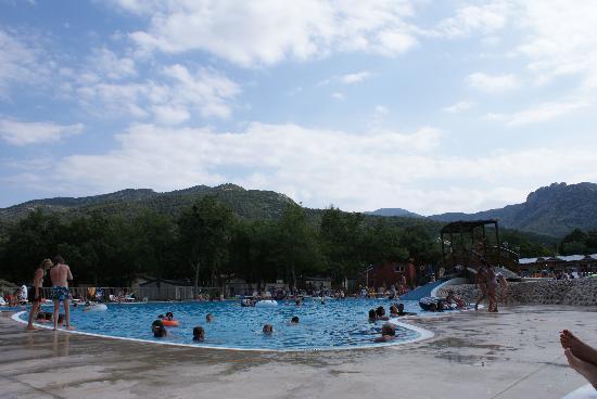 piscine très spacieuse - picture of camping sunelia le bois fleuri