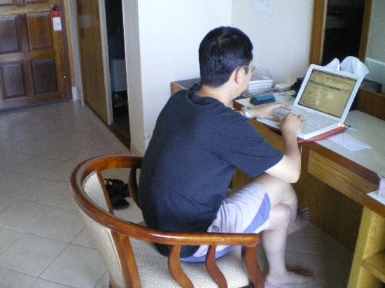Casa Del M, Patong Beach: ネットも使えました
