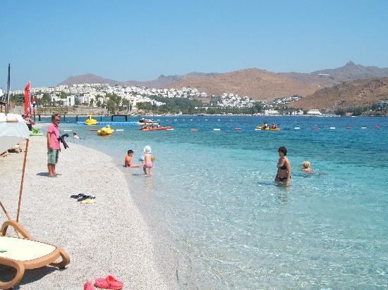 Xanadu Island: hotel beach
