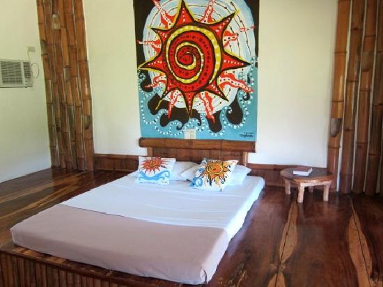 Tigbauan, Philippines : The Sun Room.