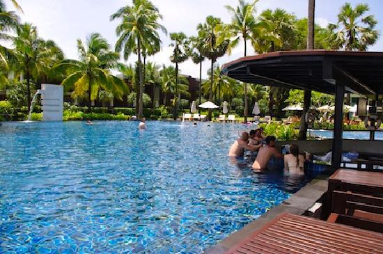 Ramada Khao Lak Resort : Ramada pool