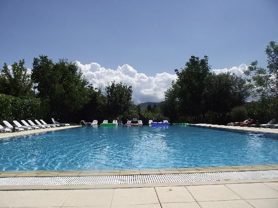 Borgo Priolo, Italie : piscina