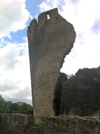 Caerphilly Castle: The 'leaning' Tower