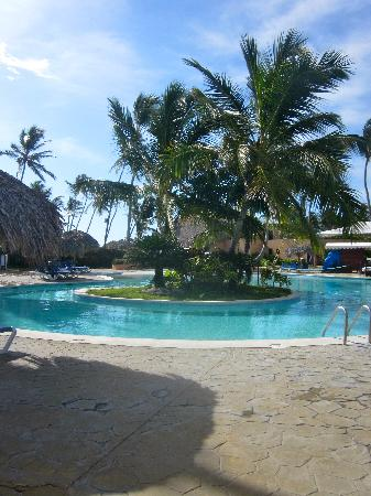 Punta Cana Princess All Suites Resort & Spa: The pool