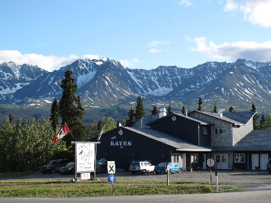 Raven Hotel in Haines Junction