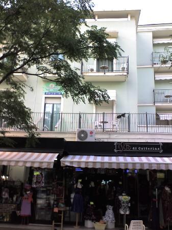 Residence Margherita: Residence vist da Via Dante