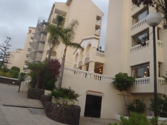 Castle Harbour Apartments : hotel