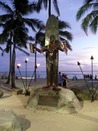 ‪Statue of Duke Kahanamoku‬
