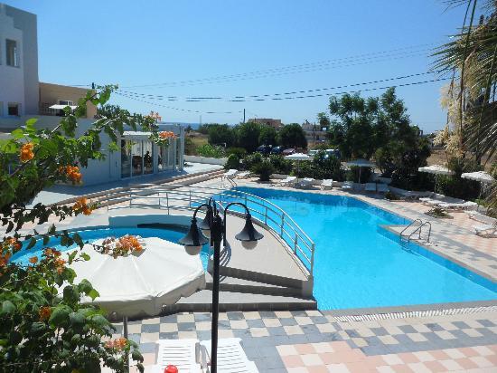 Hotel Irinna: vista dalla camera 20