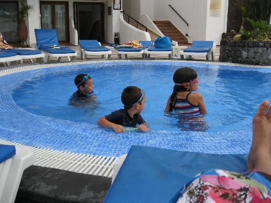 The Suites at Beverly Hills : piscina niños