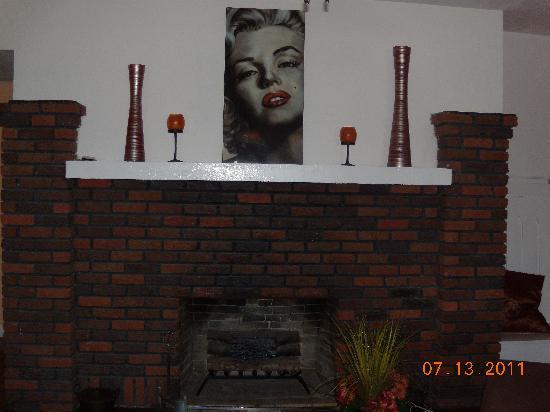 Granger House: Fireplace  1st fl